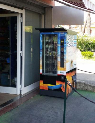 distributore-automatico-esche-artificiali-spinning